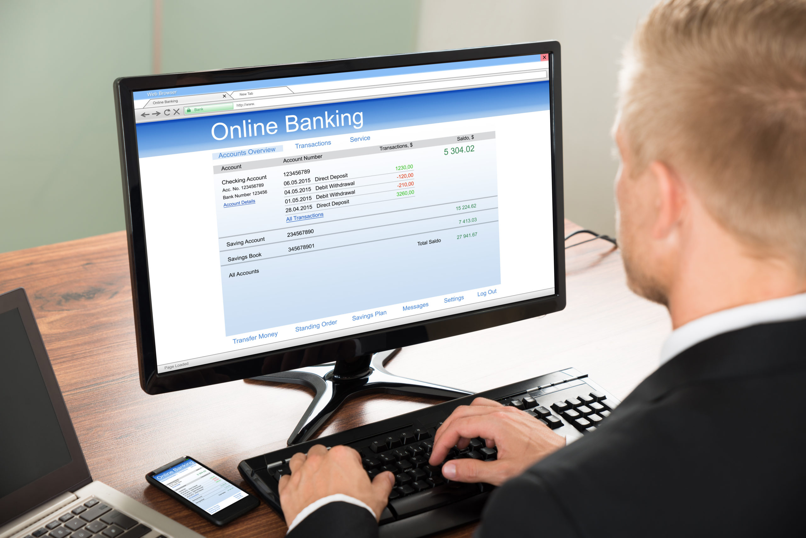 Online-banking-on-computer